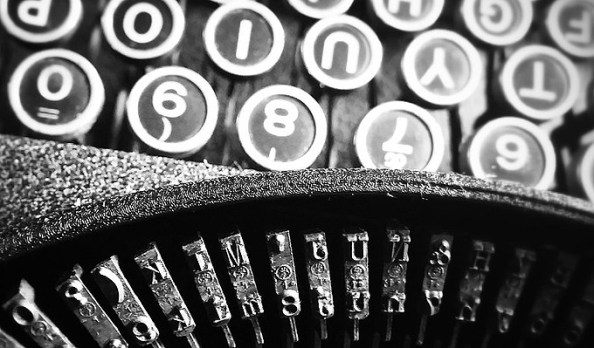 typewriter-keys-used-for-content-writing